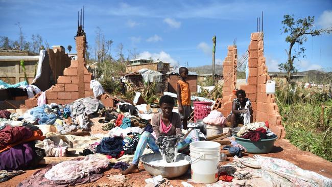 PLANES TAKE RELIEF TO HAITI AFTER HURRICANE MATTHEW   FEDEX